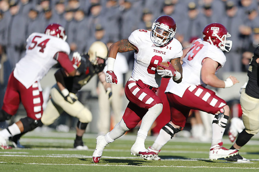 Temple Star Running Back Montel Harris Photo by Tommy Gilligan/ZUMA PRESS